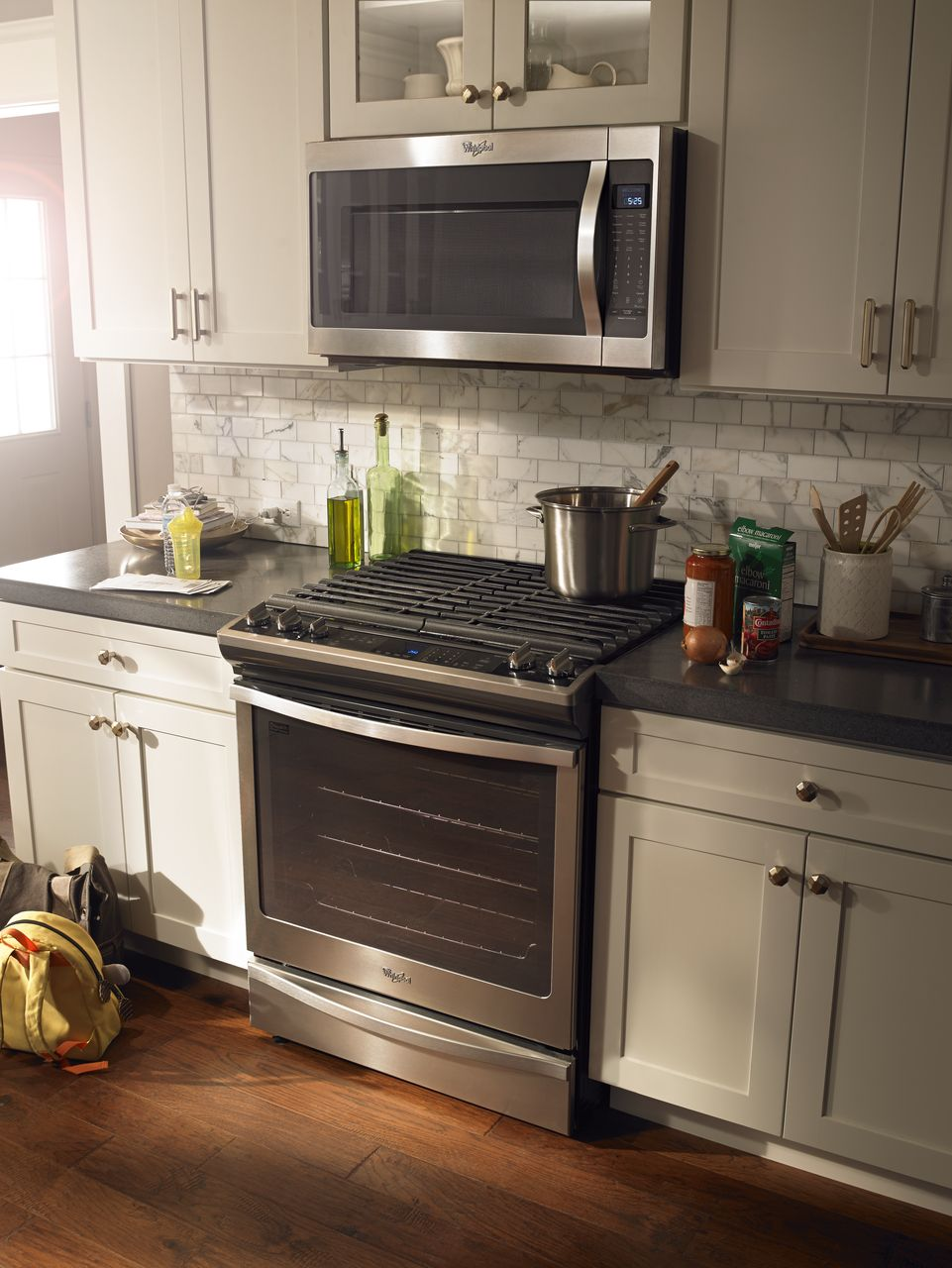 Why Your Over The Stove Microwave Turns On Randomly